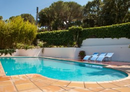 2-Terra exterior piscina